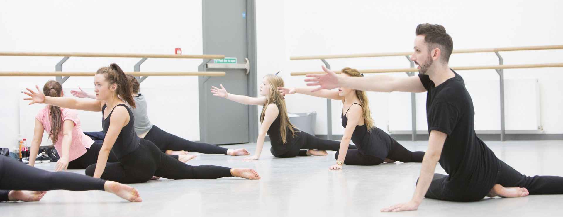 Contemporary Dance (ages 13 - 17) Summer Schools Image