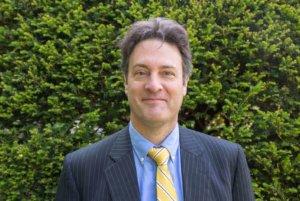 Headshot of Hector Scott